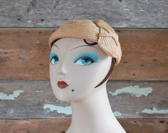 1940s hat / 40s needlepoint wool hat / natural fibre vintage hat