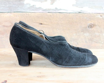 1930s shoes / 30s black suede heels / size 7.5