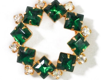 1950s Emerald Green & White Rhinestones Gold Tone Round Wreath Circle Vintage Pin Brooch