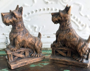 Vintage Scotty Dog Terrier  Pressed wood Bookends Shabby wood