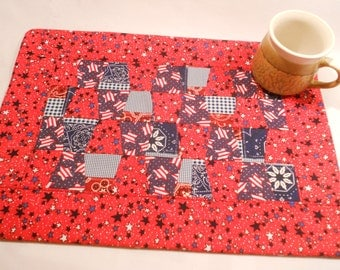 Quilted Table Topper...Fourth of July...Tumbler Design