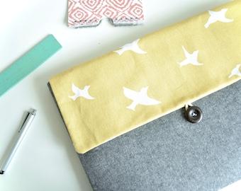 Laptop Case with Pocket, Laptop Sleeve for 13 inch MacBook Pro, MacBook Air, Custom Bag Clutch - Birds