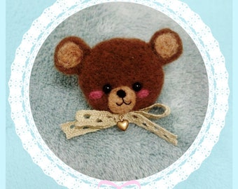 Little needlefelted bear Brooch
