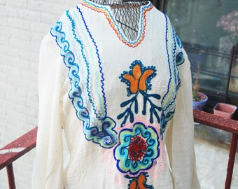 Vintage 1970s Hippie Embroidered Top Boho Blouse S/M