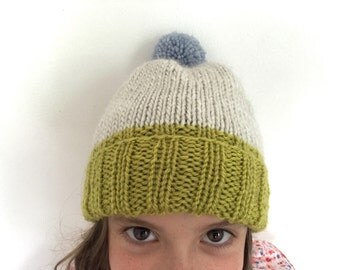 Colourblock Pom-Pom Beanie - Warm Wool Hat for Kids - size 5-10 - lime / ivory / dusty blue