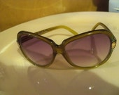 beautiful  vintage  tinted   flowered hand polished china  sunglasses