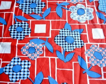 "Vintage Vinyl Tablecloth - 1970s Red White and Blue Calico Daisies - 52"" Round NOS"