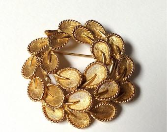 Vintage 1960s Trifari Gold Tone Wreath Brooch