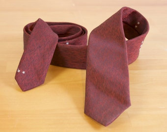 Vintage 1950s burgundy very skinny necktie by Regal