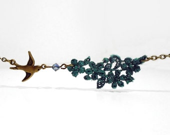 Lace and bird swallow necklace in holly green and bronze