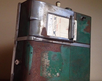 Antique Art Deco Manual Cash and Receipt Machine. United Autographic Register.