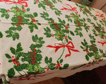 "Christmas Tablecloth Vera Holly large 61"" x 80"" like new VINTAGE by Plantdreaming"