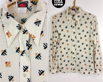 Cool Southwestern Vibe Vintage 70s Off-White, Green, Mustard and Brick Red Pattern Shirt with Pointy Collar!