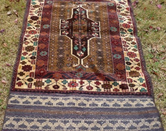 "REDUCED: Rich Brown Baluchi rug/kilim tapis from Afghanistan. 4ft 8 "" x 2 ft 6. 142 x 86 cm Hand woven."