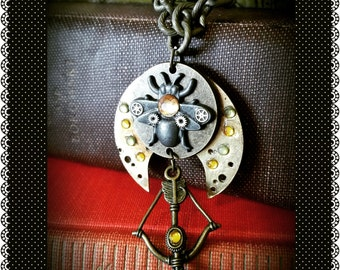 Hunger Games Inspired Steampunk Tracker Jacker Necklace