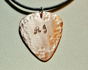 Copper guitar pick necklace with personalized initials and hammered texture for an artistic touch - NL484