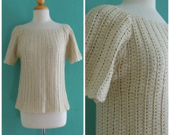 70's bohemian crochet top //  cream knit scalloped top ~ small medium