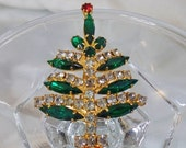 FALL SALE Vintage Rhinestone Christmas Tree Brooch.  Juliana D&E Red, Green, Clear Rhinestones Christmas Tree Pin.