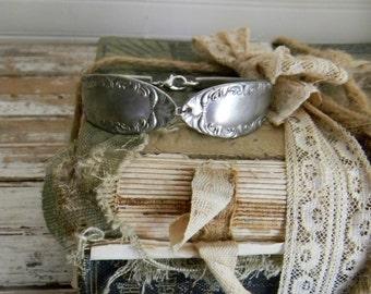 Spoon Bracelet, Spoon Handle Bracelet, Vintage Silver Plate Spoon Handle Bracelet, Spoon Jewelry, Re Purposed Flatware Bracelet, Spoon Cuff