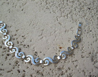 Beautiful Vintage 925 sterling silver bracelet