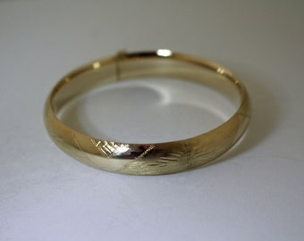 14K Gold Bangle Decorated Expandable