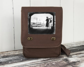Boston Harbor Artist - Messenger Bag - Field Bag - School Bag - Java Brown - Canvas Bag