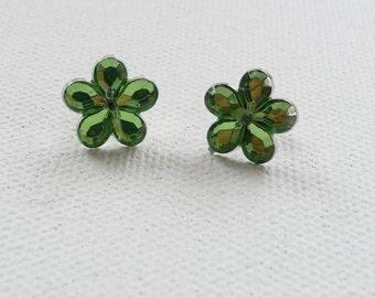 ns-CLEARANCE - Green Flower Stud Earrings