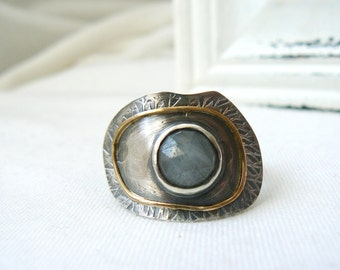 Focus - Oxidized Sterling Silver, 18k yellow Gold and Rose Cut Sapphire Ring - Handmade Jewelry 925 Gemstone