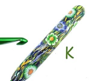 Susan Bates, K 10.5/ 6.50mm, Polymer Clay Covered Crochet Hook, Flower Design