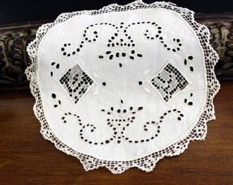 Antique Needle Lace, Vintage Doily, Eyelet Lace Doily 13200