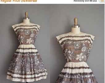25% off SHOP SALE... vintage 1950s dress / Jeanne Durrell cotton print dress / 50s full skirt dress