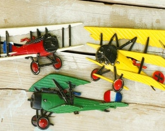 Vintage 70s Homco Metal Airplanes Wall Hangings Retro Collectibles