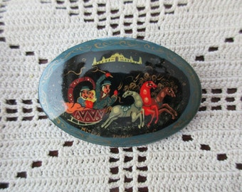 Russian pin - hand painted, lovers, couple