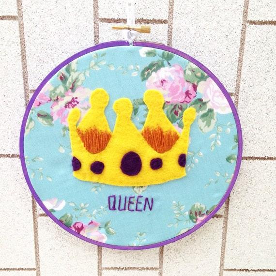 Fit for a queen hoop art
