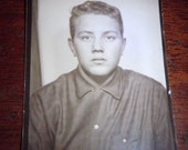 VERNACULAR SNAPSHOT Photo: 1950s Photo Booth COOL Teenager Teen guy