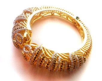 Gold Bangle Bracelet ,fine crystal Jewelry,Statement Bangle 18K Gold plated Bangle Bracelet,Onyx Bangle handmade with Turkish styling