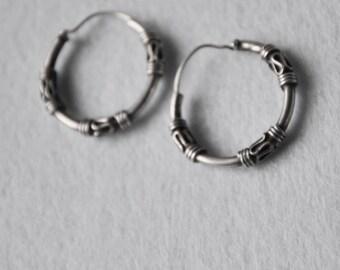 Vintage Sterling Silver Tribal Hoops Dangle  Earrings