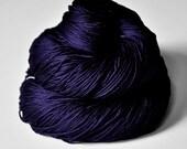 Königin der Nacht  - Silk Fingering Yarn - knotty skein