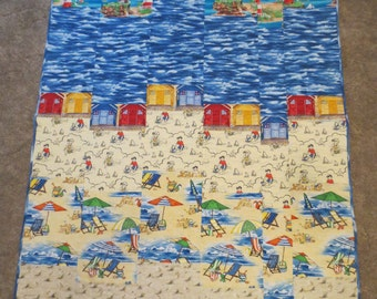 Beach Cabin Quilt, 56 x 38 inches, Lap or Toddler Quilt