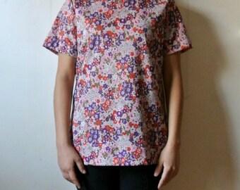 25% OFF SALE Vintage Floral Print Blouse - Brady Bunch Flower Power Shirt - Size Medium Large