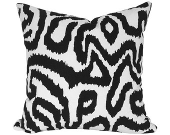 Graphic Pillow Cover, in Black + White