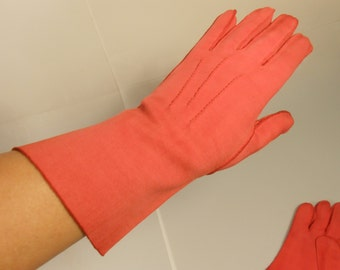 Fried Red Tomatoes - Vintage 1940s Tomato Red Cotton Long Mid Arm Gloves - 7