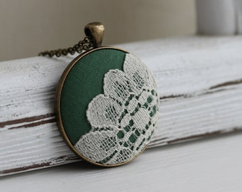 Moss Green Boho Necklace, Rustic Wedding Jewelry, Moss Necklace, Bohemian Bridesmaid, Woodland Jewelry, Nature, Hippie Flower Necklace