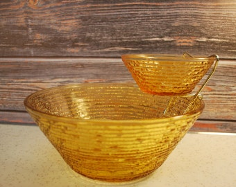 Vintage 1960s Anchor Hocking Soreno Harvest Gold Chip and Dip Set, Excellent Condition.