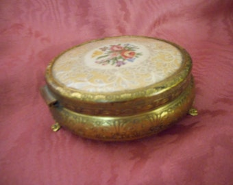 x Vintage Round gold metal Jewelry Box Footed with Cross Stich and Lace under cover (FF042216-03J)