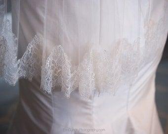 "Lace Veil Chantilly Lace Fingertip Length - 40"" - Rae"