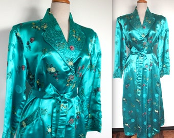 Vintage 1940s Robe // 40s 50s Teal Satin Asian Floral Embroidered Dressing Gown // Quilted Collar // DIVINE