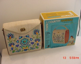 Vintage Town & Country Handbag To Decorate Floral Fantasy -- Already Decorated 16 - 276