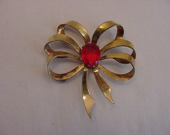 Vintage Red Faceted Rhinestone Bow Brooch  15 - 22