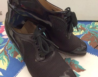 Vintage 1940s 1950s Shoes Black Patent Leather Split Leather Lining Mesh Women's Ladies